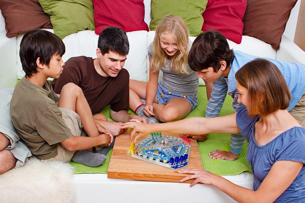 Opitaan – pelaamalla!